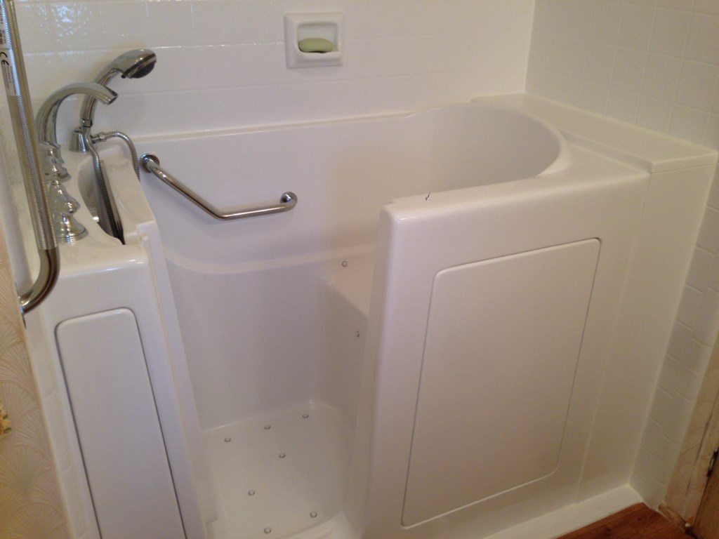 Walk-in Tub Replacement in Pasadena, CA